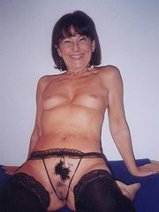 amateur wife gets so wet role playing