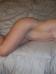 amateur wife beating off another man