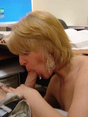 amateur wife licks cum from prostitutes pussy