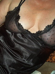 amateur wife first time with a woman